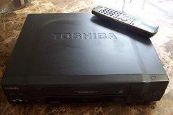 TOSHIBA Model: M-662 VHS VCR Video Cassette Player/Recorder STEREO HI FI 4 HEAD